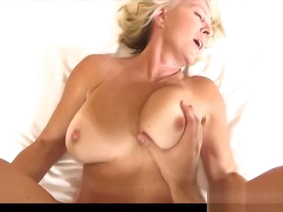 Acrobatic Step Mommy Paulina Wants To Fuck Hard Tender Stepson