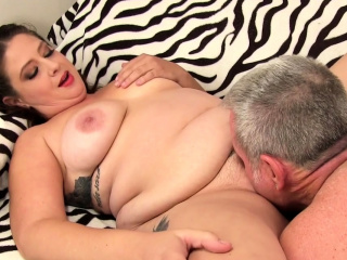 Chunky Slut Kailie Raynes Takes It Deep