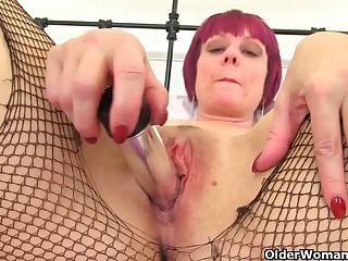 Redhead gilf Sensual Caroline pleasures wet fanny hole
