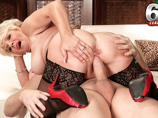 Deanna Bentley, Mid-Western Cream Pie Slut - Deanna Bentley And John Strange - 60PlusMilfs