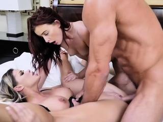 Boss MILF Jessa Rhodes got wild in a hot  threesome