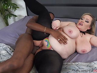 Please insert BBC in this BBW's pussy with Bunny De La Cruz