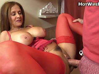 Hotwiferio - Lingerie Mom Creampie