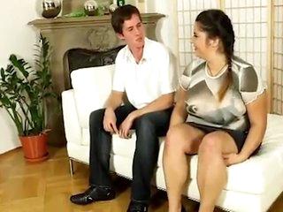 Sexy But Shy New Delhi Aunty Giving Blowjob To Foreigner Boy - Ashlynn Brooke