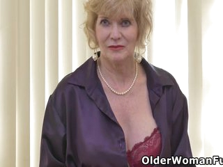 Grandma Sindee Likes It Naughty And Perverted With Sindee Dix