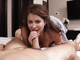 Emily Addison – Horny Mom Needs Extreme Hard Penetrations