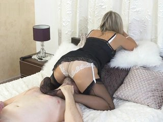 Ala Gets On Top Of Slave And Gives Foot Job And Facesits Wearing Nylons