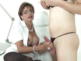 Unfaithful british milf lady sonia flaunts her large tits