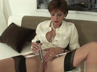 Unfaithful uk milf lady sonia showcases her huge breasts