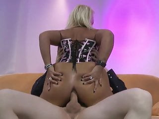 Super Poschi - Kitty Wilder 2